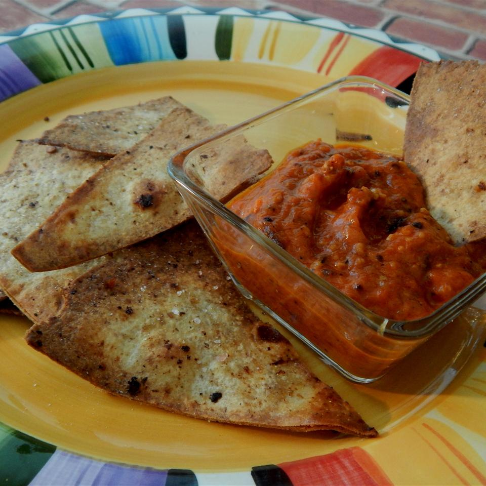 Slightly Spicy Roasted Red Pepper Dip
