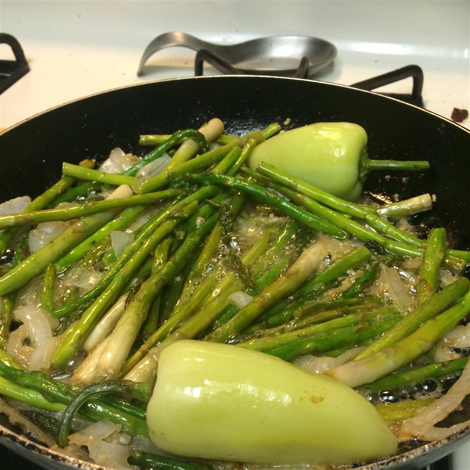 Pan-Fried Asparagus with Onions vanessa