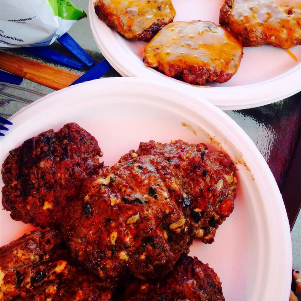 Grilled Gorgonzola-Basil Burgers Harley Quinn