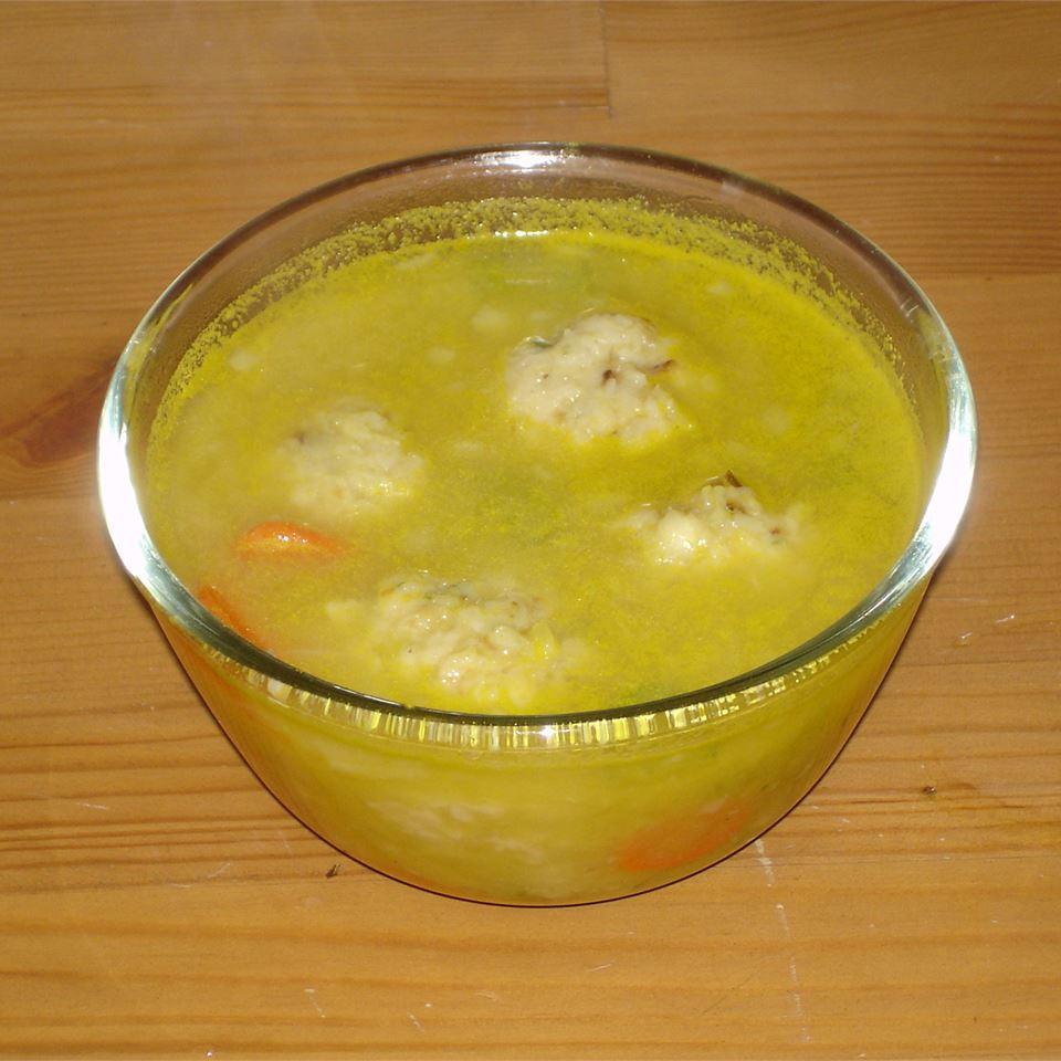 Oma's Fabulous Matzo Ball Soup
