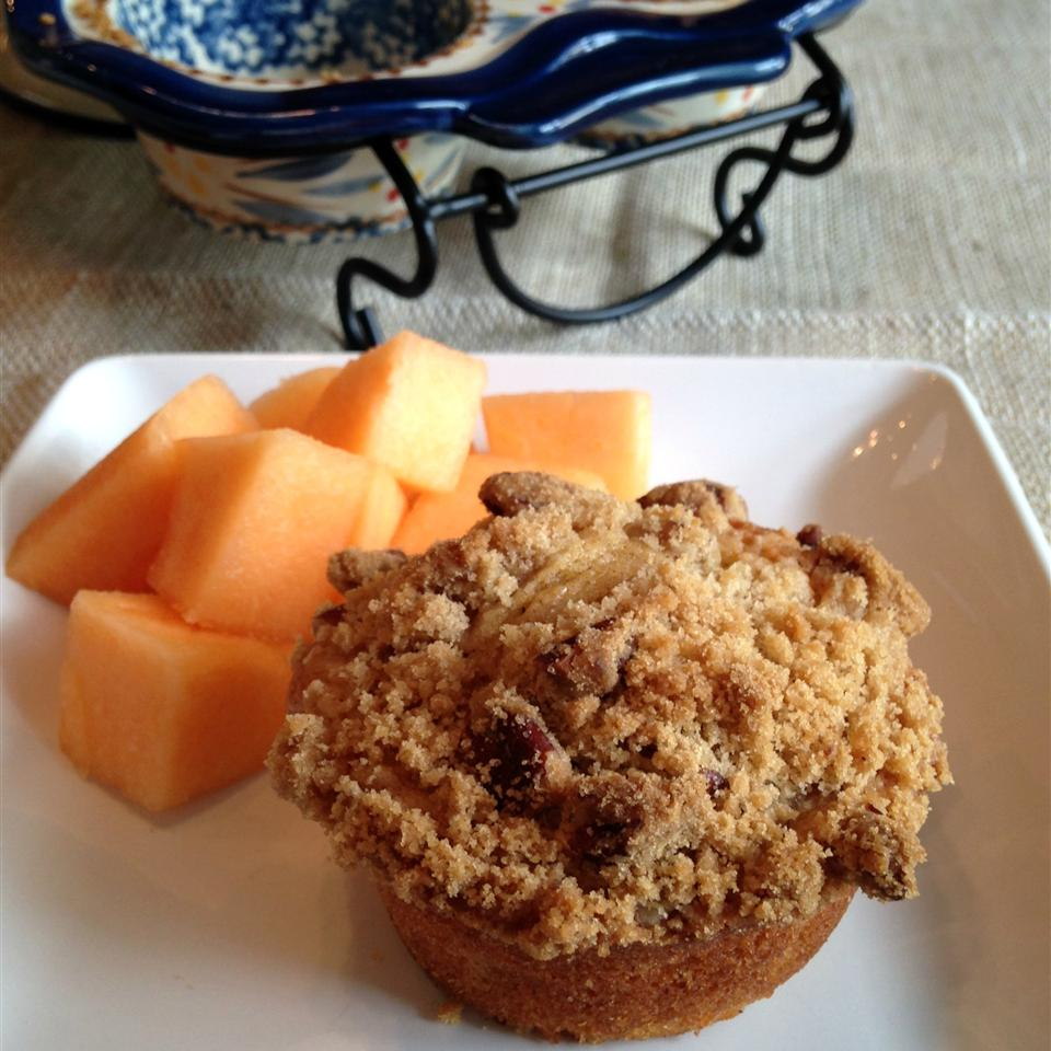 Cantaloupe Muffins with Praline Topping