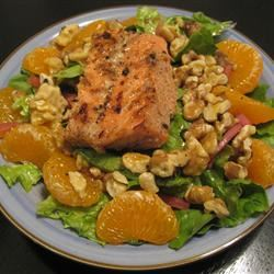 Orange, Walnut, Gorgonzola and Mixed Greens Salad with Fresh Citrus Vinaigrette annie