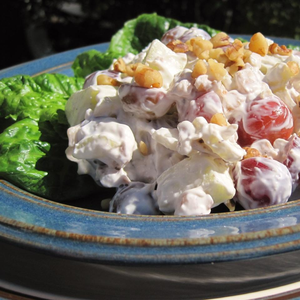 Simple Waldorf Salad LYNNINMA