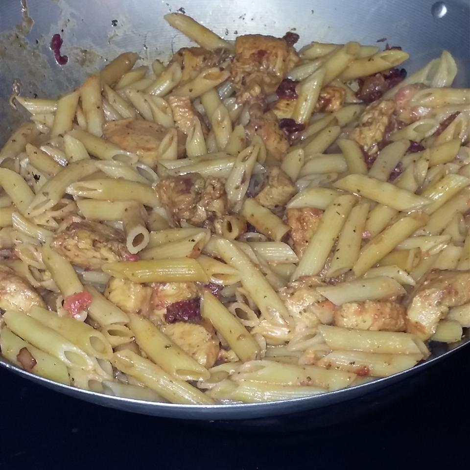 Phenomenal Chicken and Pasta in Creamy Pesto Sauce Cashmere Clarke