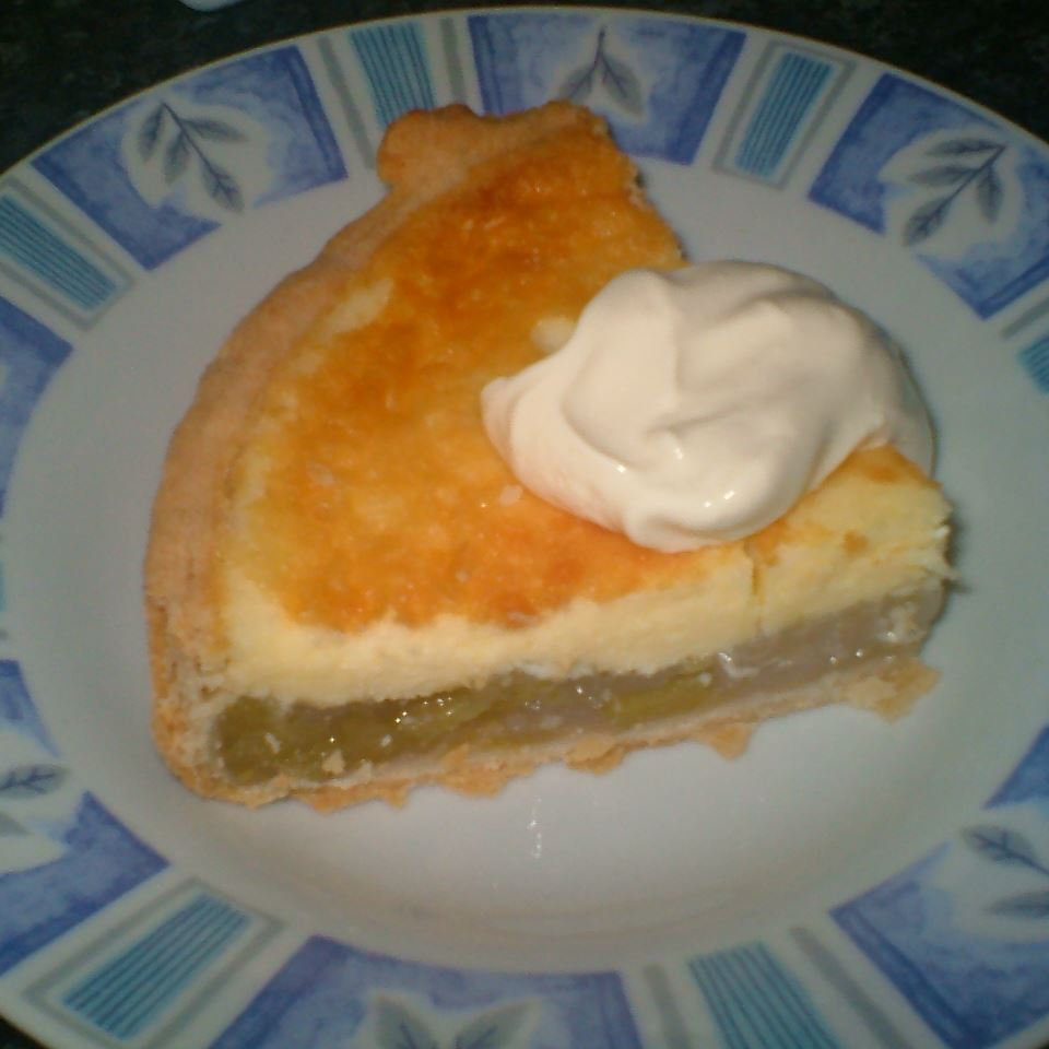 Rhubarb Cheesecake Pie