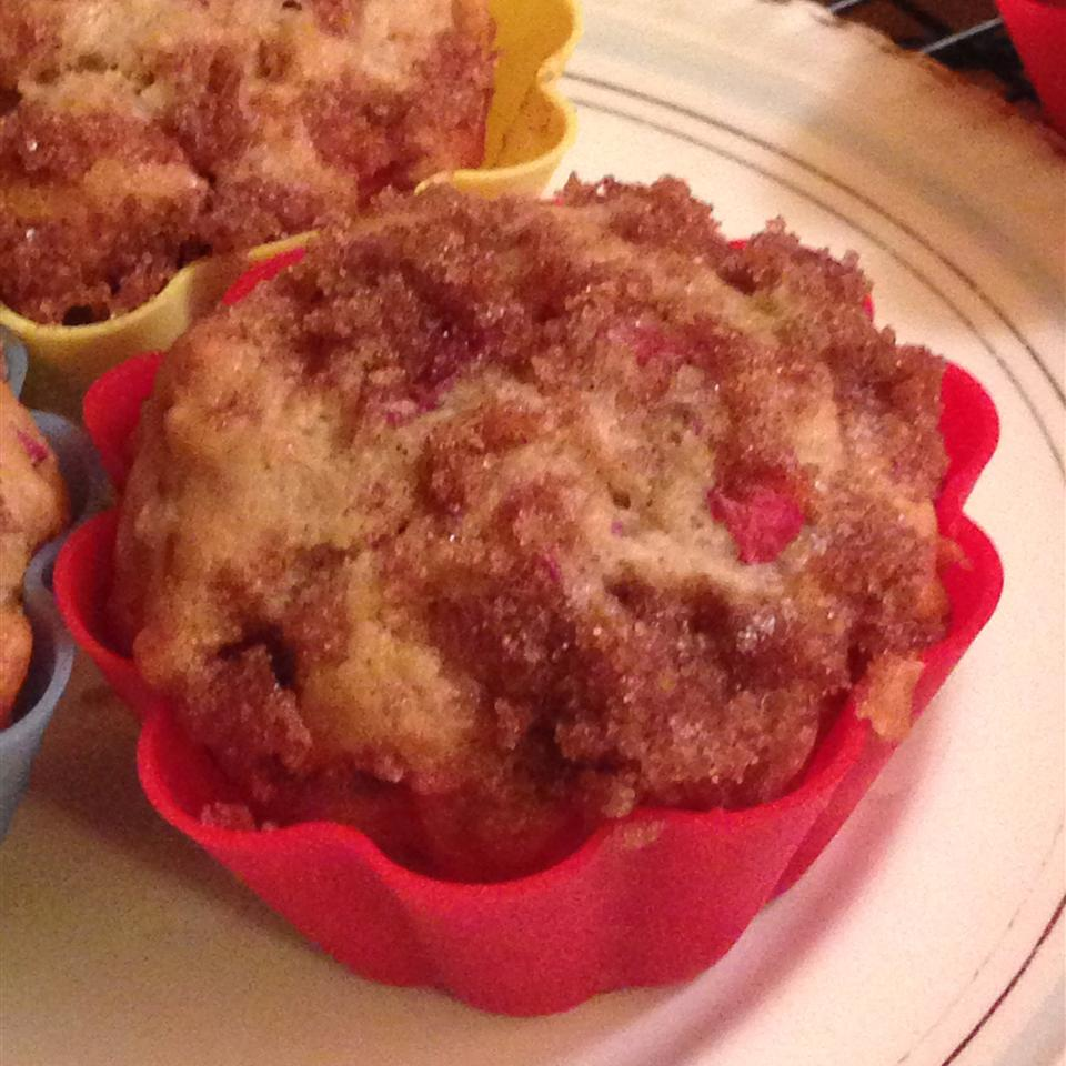 Aunt Norma's Rhubarb Muffins