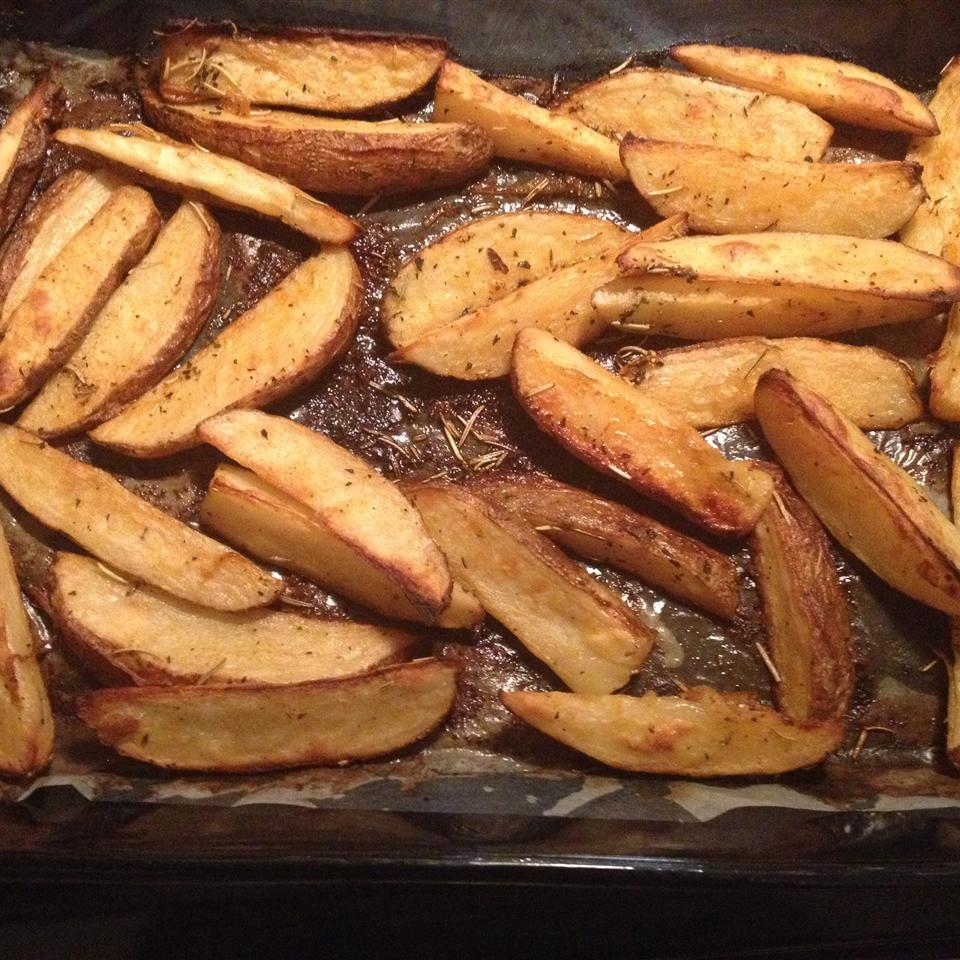 Crusty Herb Potato Wedges