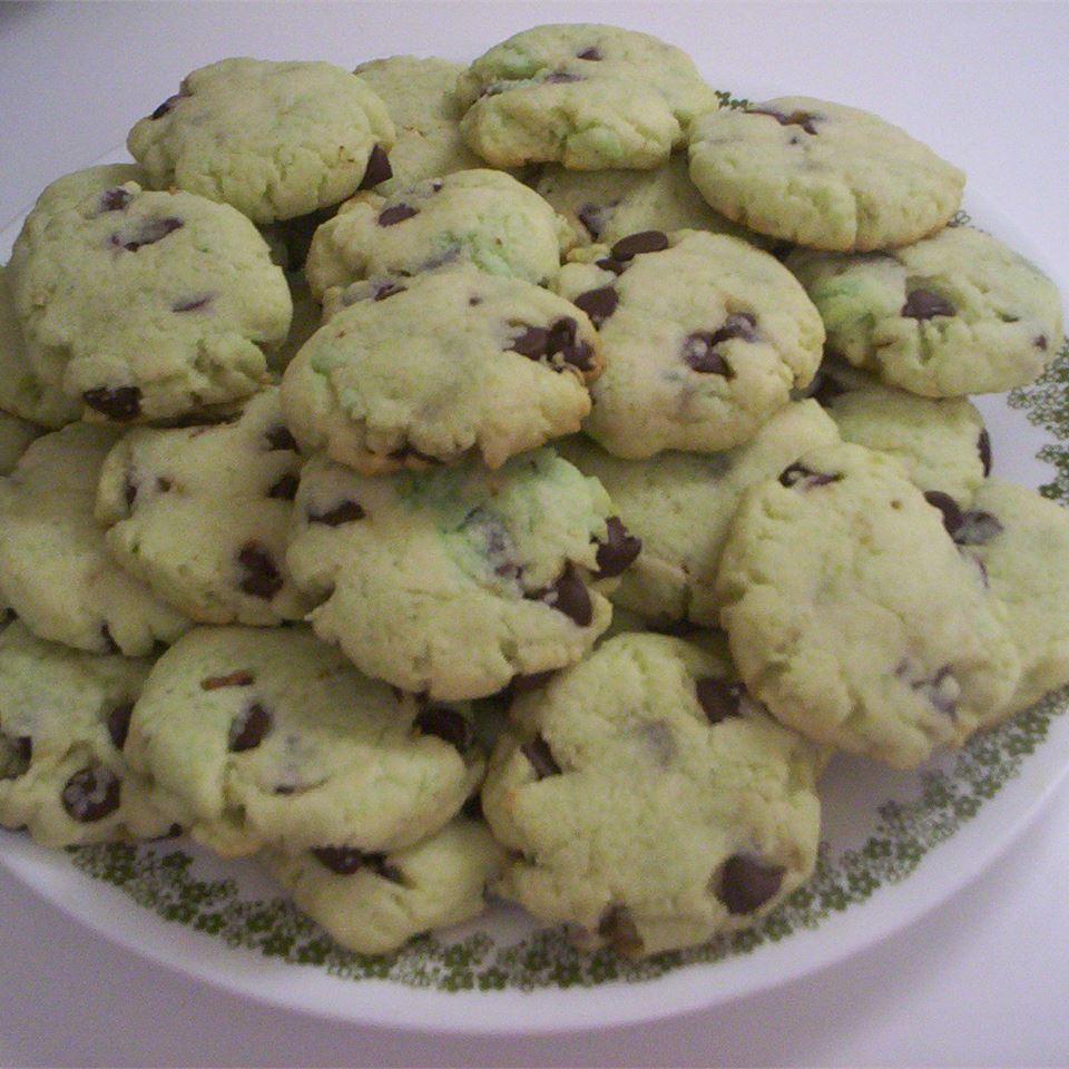 Pistachio Chocolate Chip Cookies saiahsmom