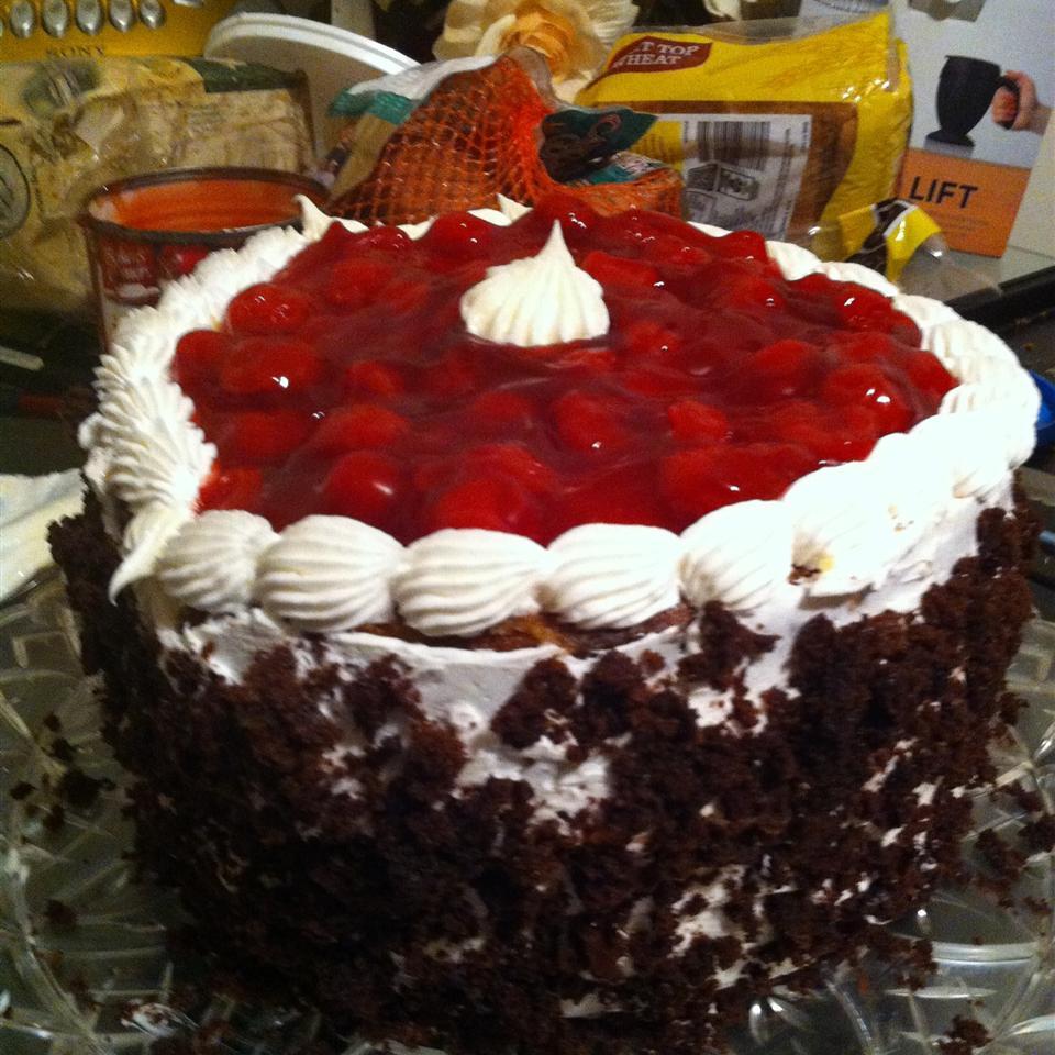Black Forest Dump Cake I Cheryl