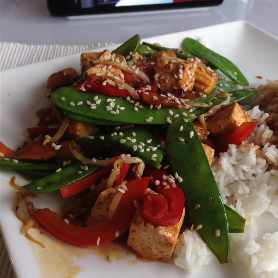 Vegetable and Tofu Stir-fry Buckwheat Queen