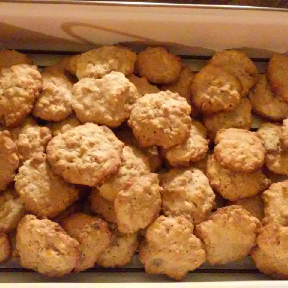 Chocolate Chip Oatmeal Cookies tanessa1987