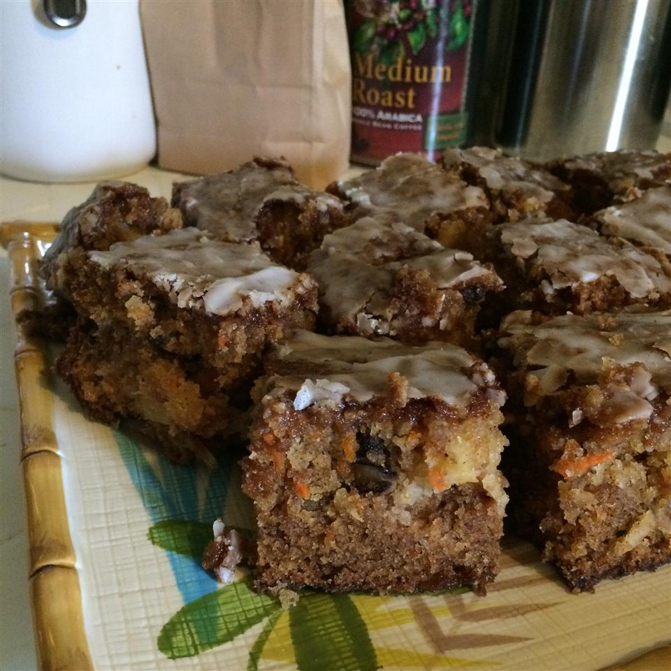 Mom's Pineapple-Carrot Cake busybeee_3