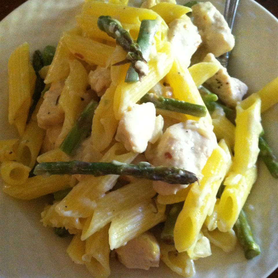 Penne with Chicken and Asparagus lynchja2