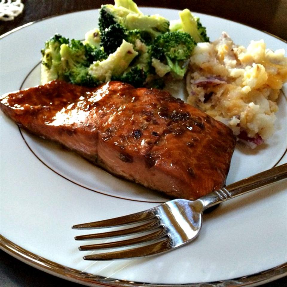 Sweet Glazed Salmon lovestohost