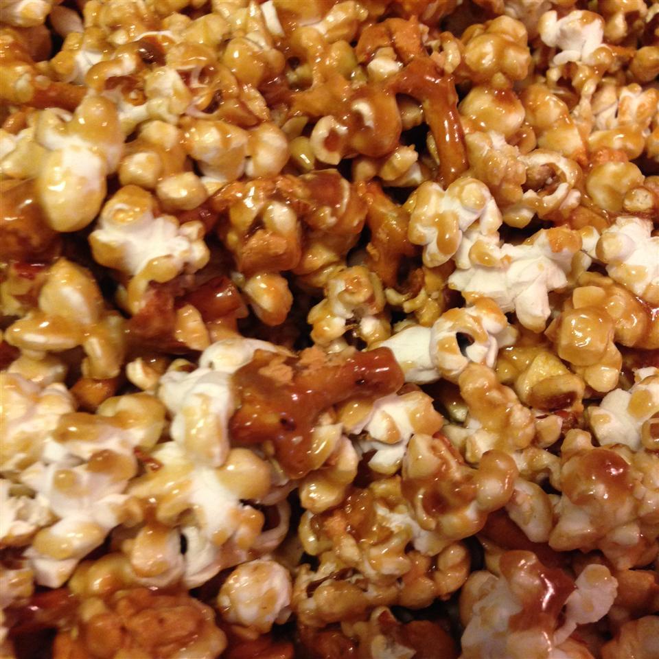 Caramel Pretzel Nut Popcorn