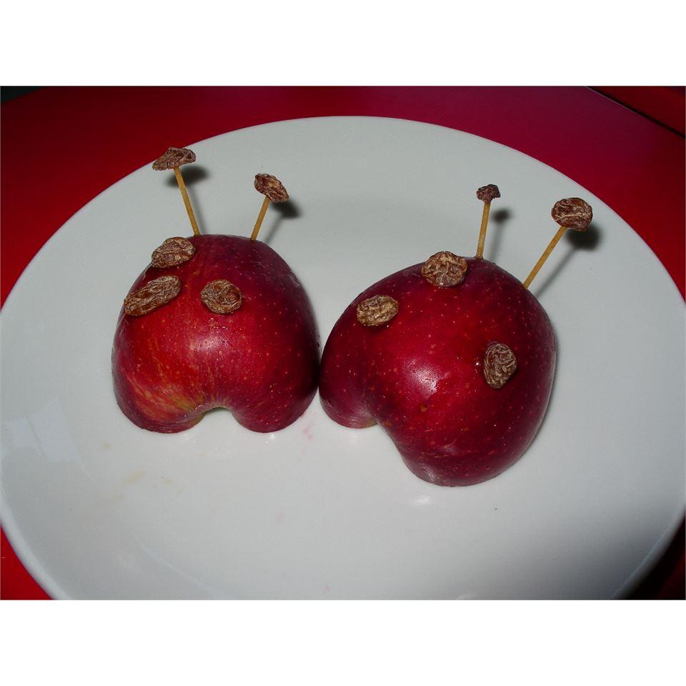Apple Ladybug Treats elibur
