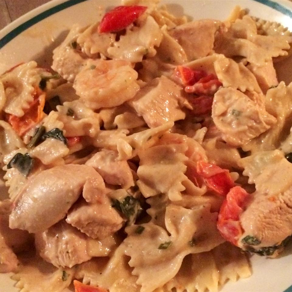 Creamy Tomato-Basil Pasta with Shrimp Jessalyn Vieweg