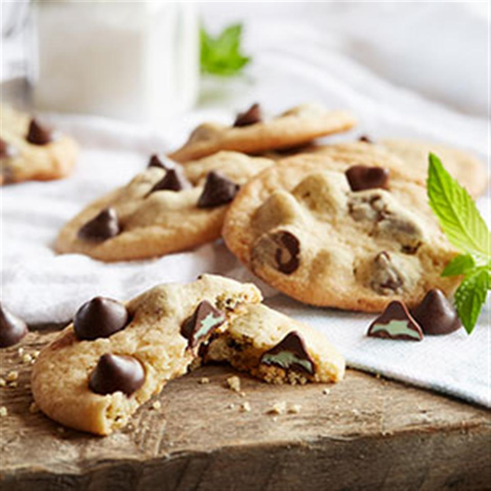 NESTLE® TOLL HOUSE® Mint Filled DelightFulls™ Chocolate Chip Cookies Trusted Brands