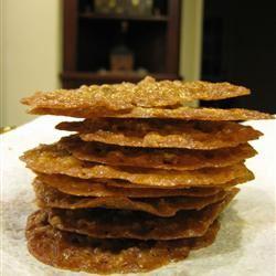 Pecan Lace Cookies I EEE