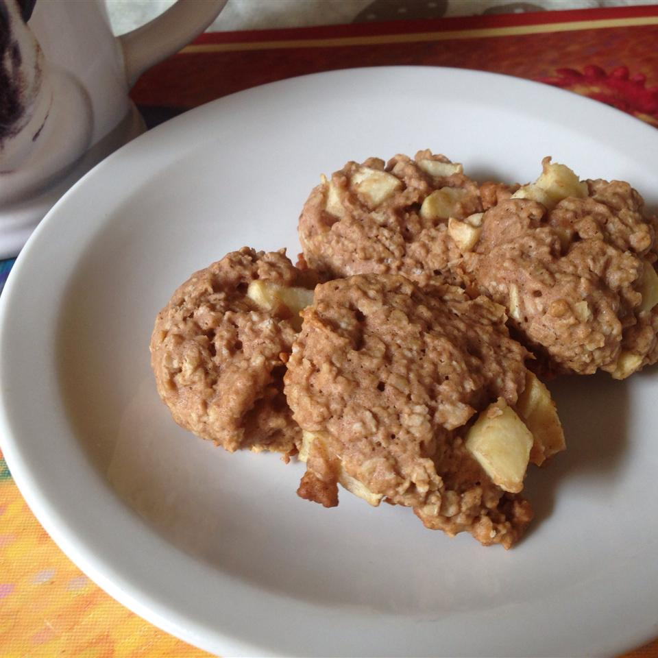 Apple Oatmeal Cookies II Cyndeecee