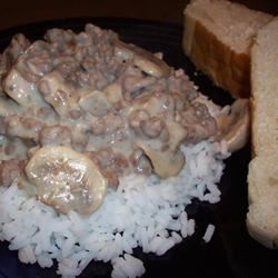 Easy Beef Stroganoff CookinBug