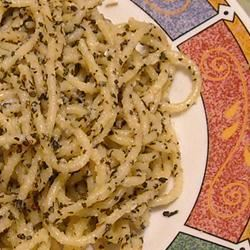 Spaghetti with Garlic and Basil MARILYN PERZIK