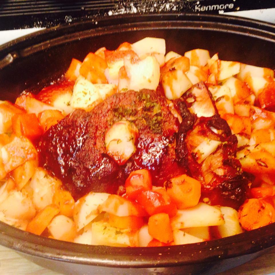 Pork Butt Roast with Vegetables aneta96