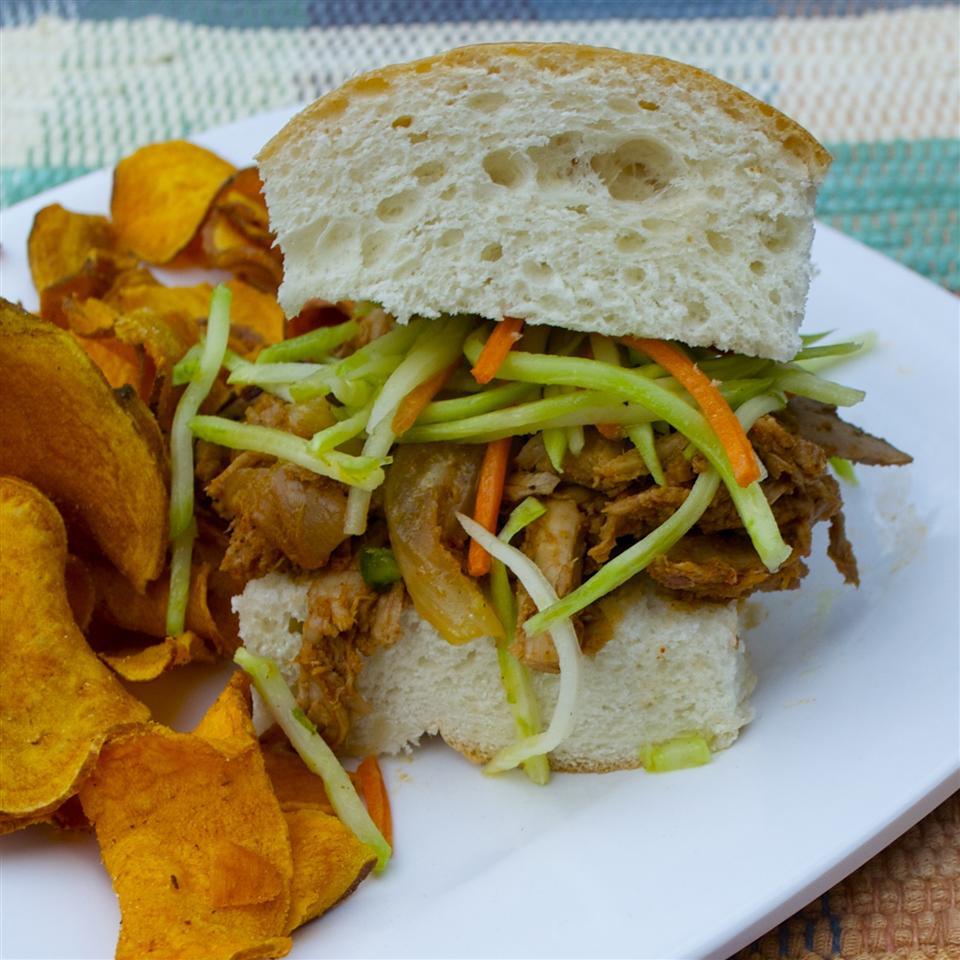 Slow Cooker BBQ Pulled Pork Sandwiches Bibi