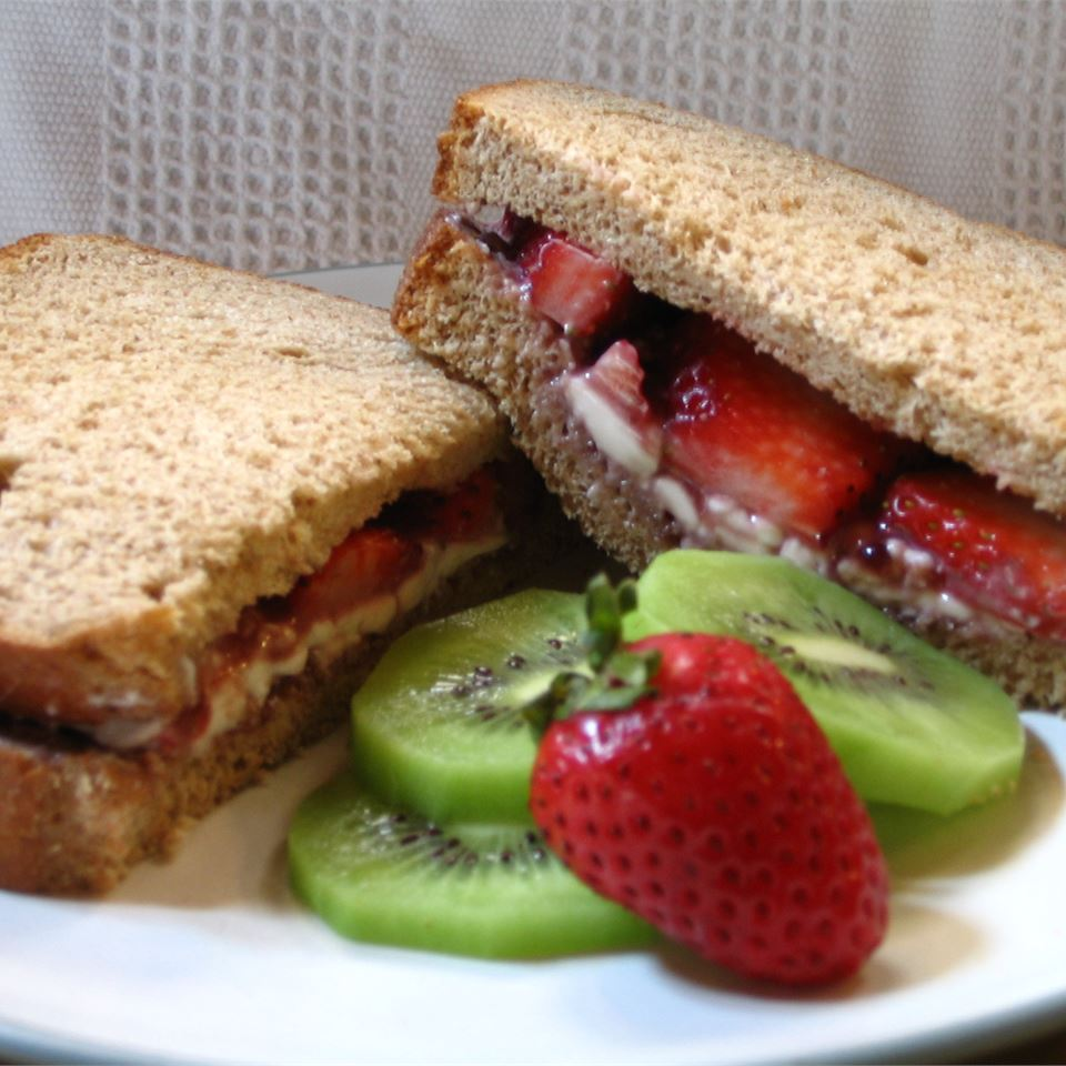 Berry Good Sandwich Ethel