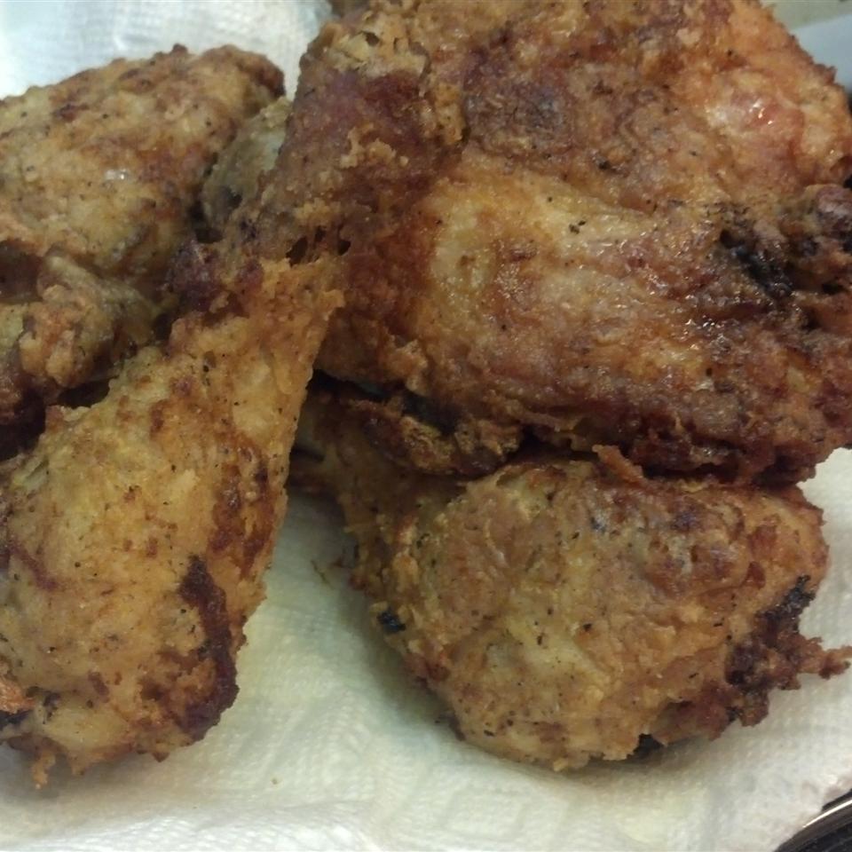 Fried Chicken with Creamy Gravy