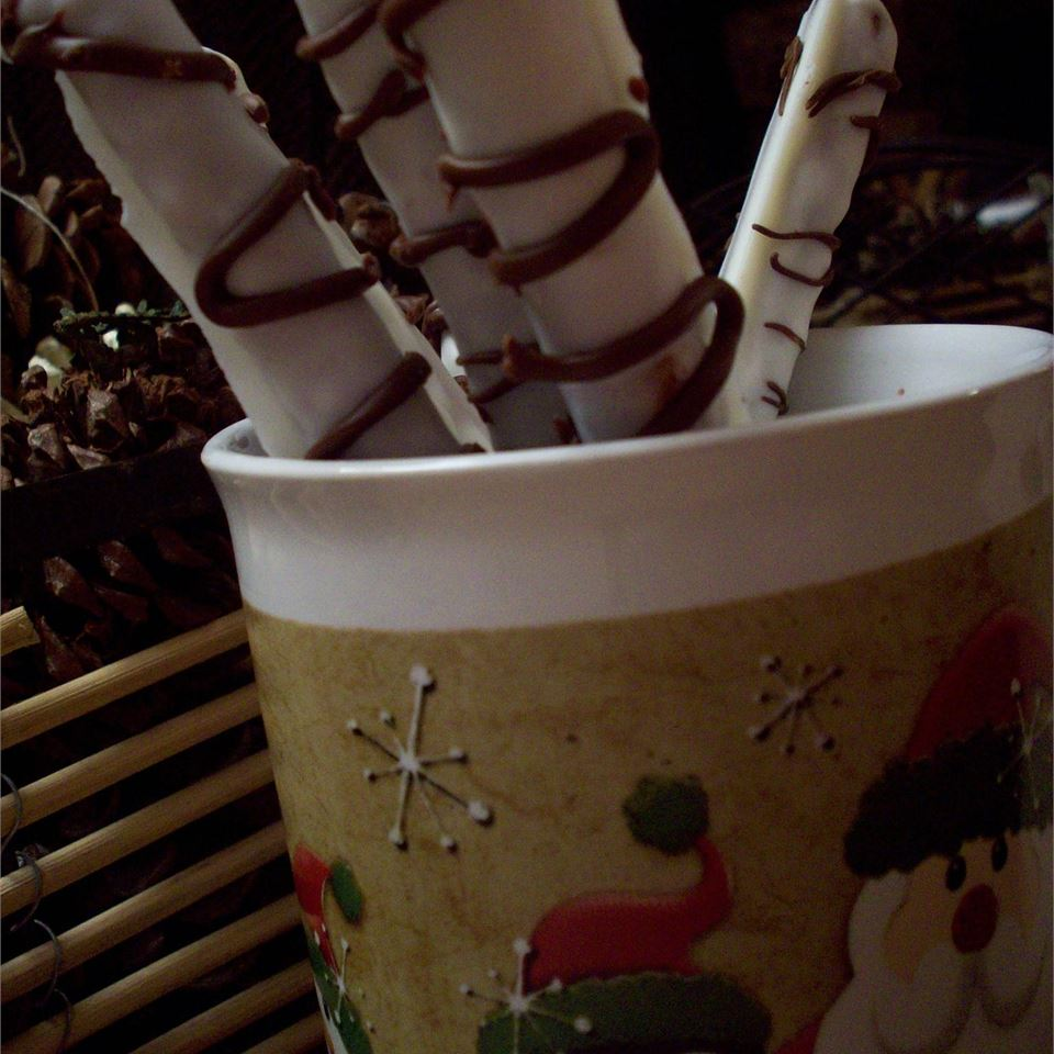 White Chocolate Covered Pretzels Cook4U