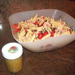 Greek Pasta Salad with Shrimp, Tomatoes, Zucchini, Peppers, and Feta SWEETJAM