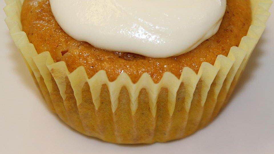 White Chocolate Chip Pumpkin Cupcakes
