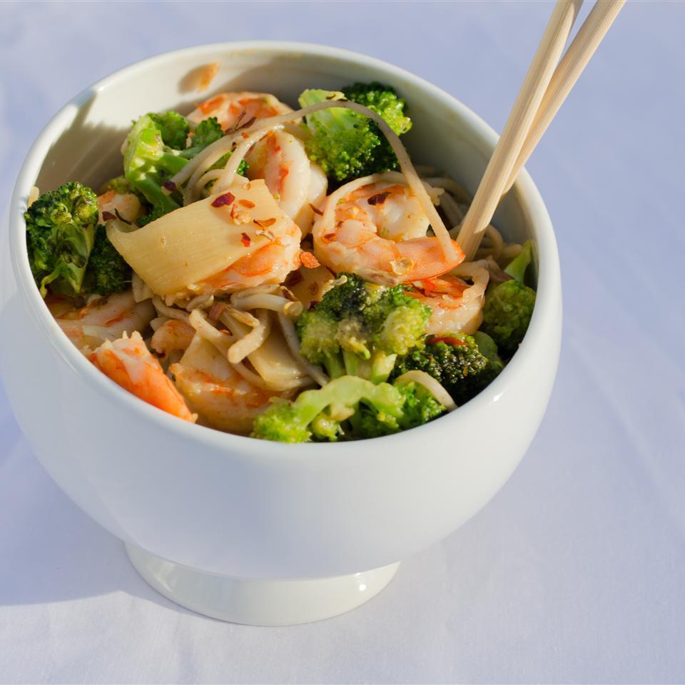 Shrimp Stir Fry With Egg Noodles