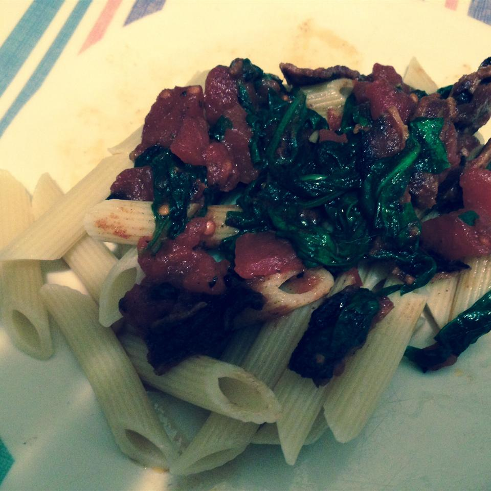 Penne Pasta with Spinach and Bacon Gina