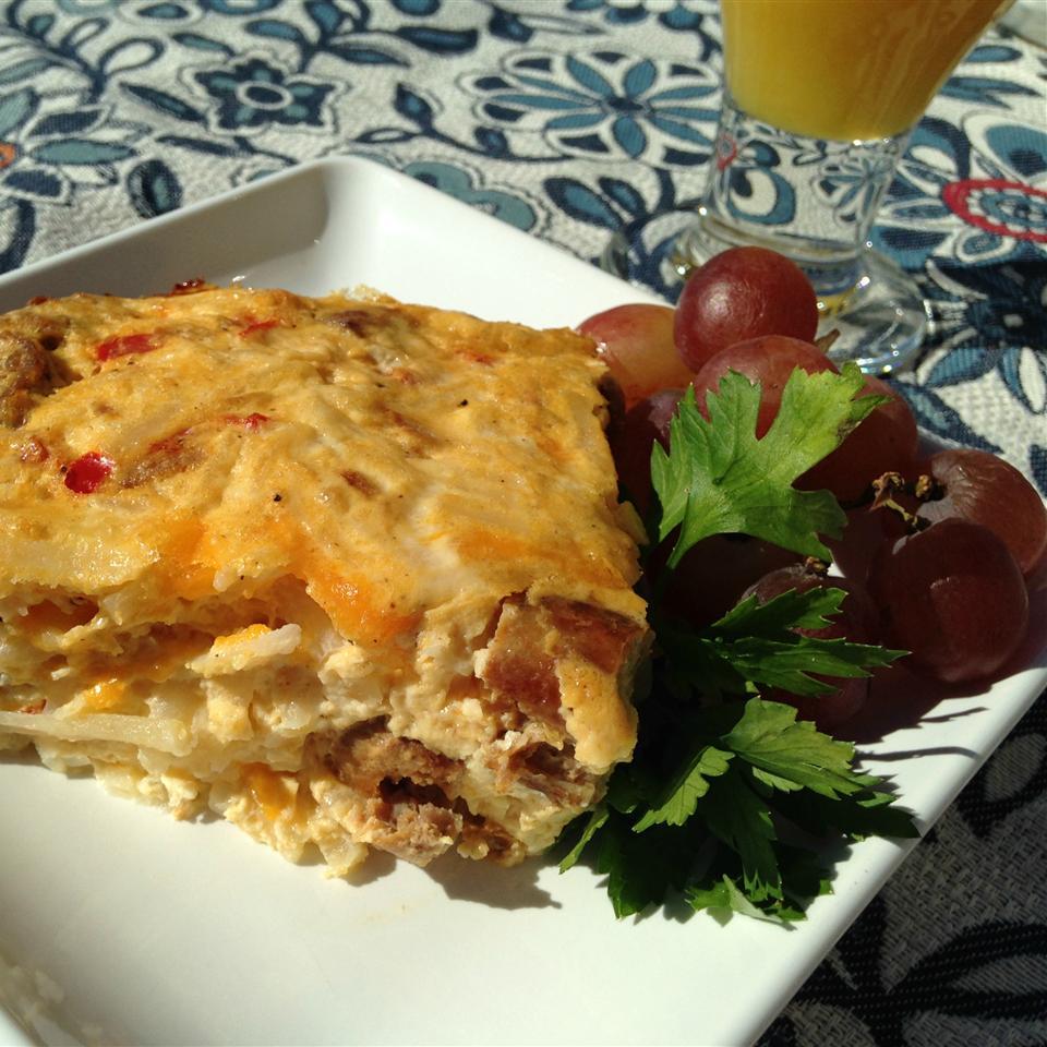 Potato, Sausage and Egg Breakfast Casserole Happyschmoopies