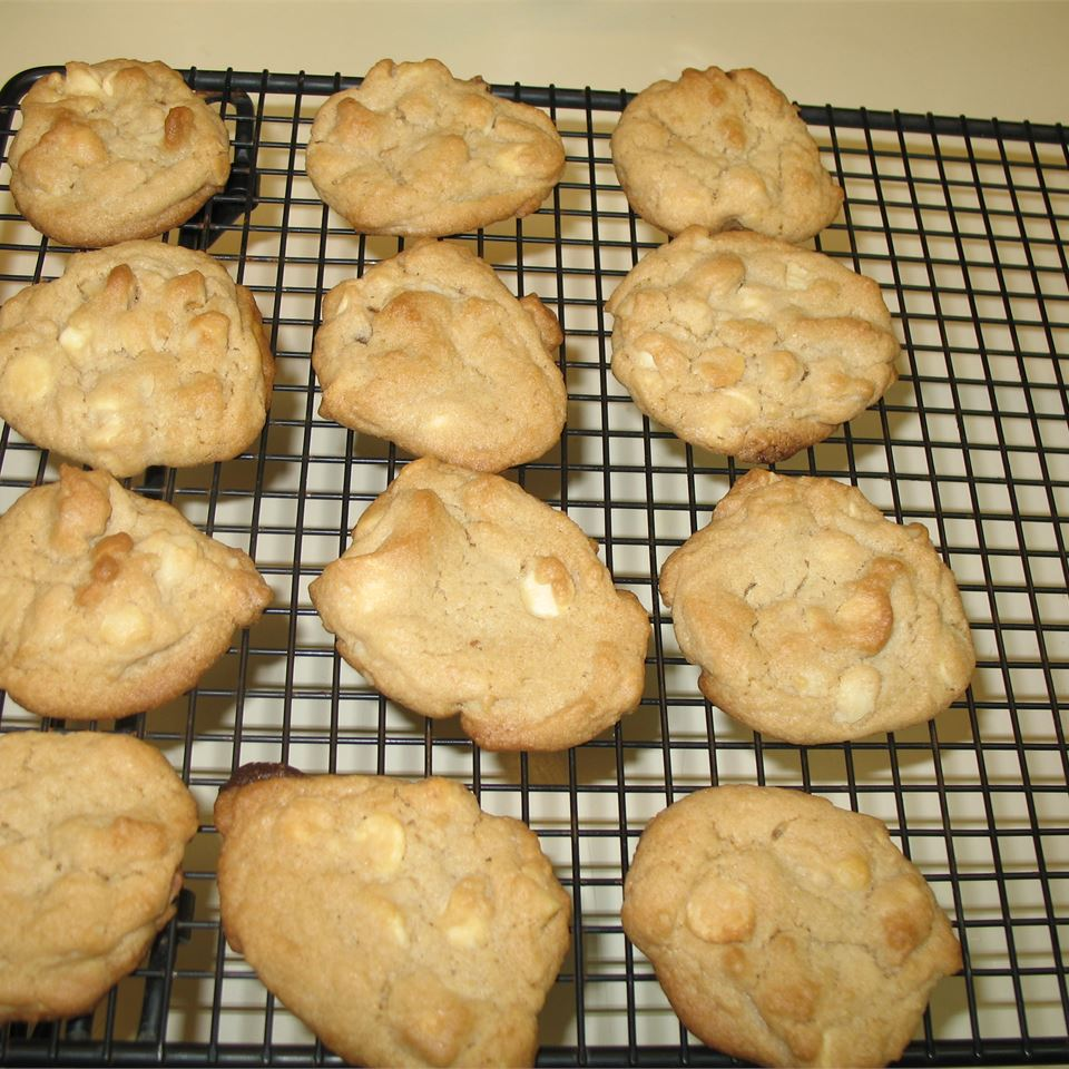 White Chocolate Macadamia Nut Cookies II Jennifer Hood