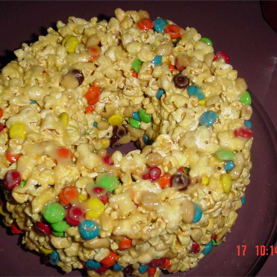 Popcorn Cake I Johnna
