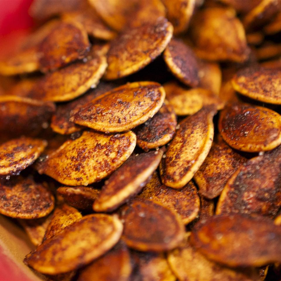 Roasted Cinnamon Spice Pumpkin Seeds