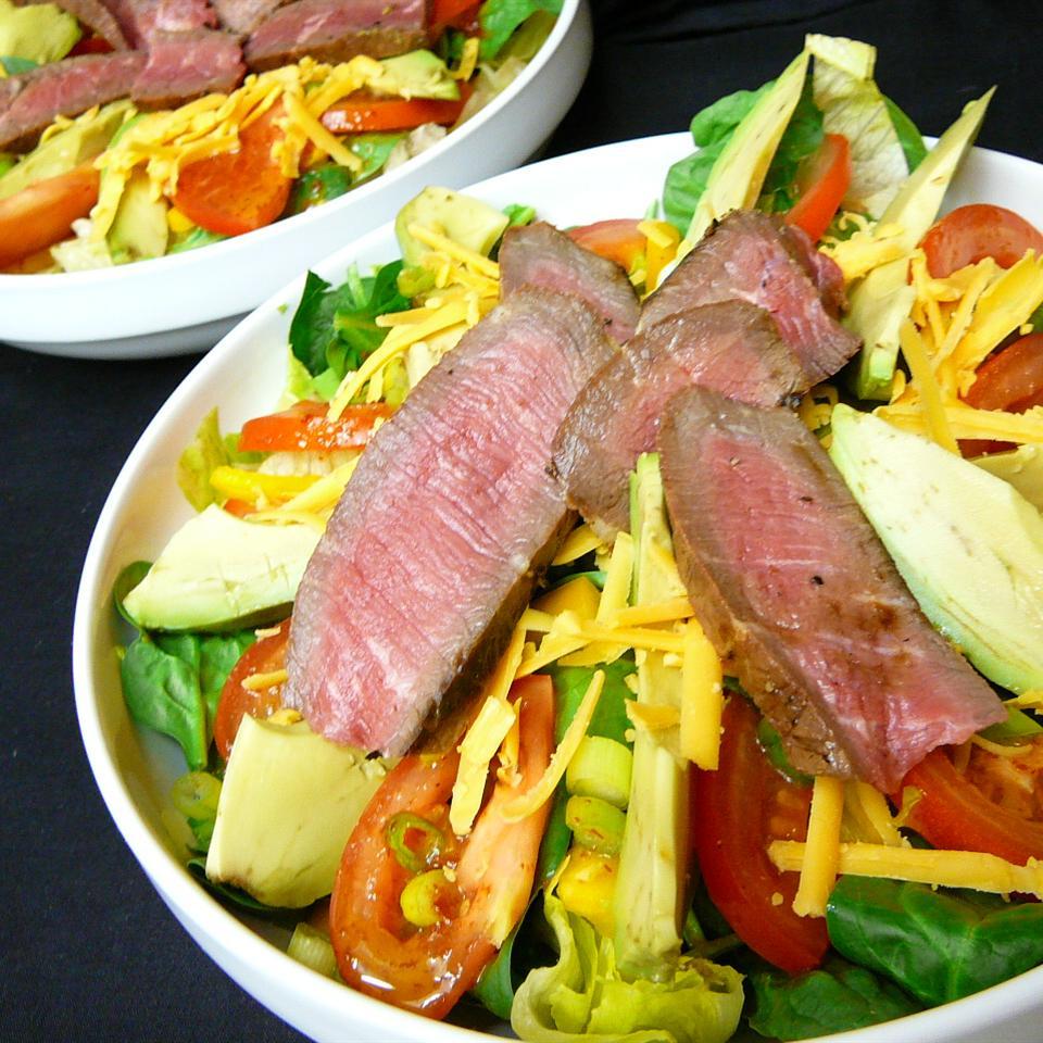 Grilled Pepper Steak Salad Molly
