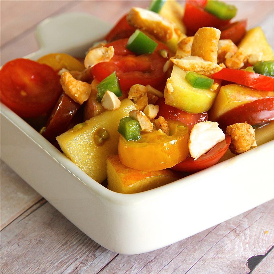 Delicious Spicy Tomato Salad