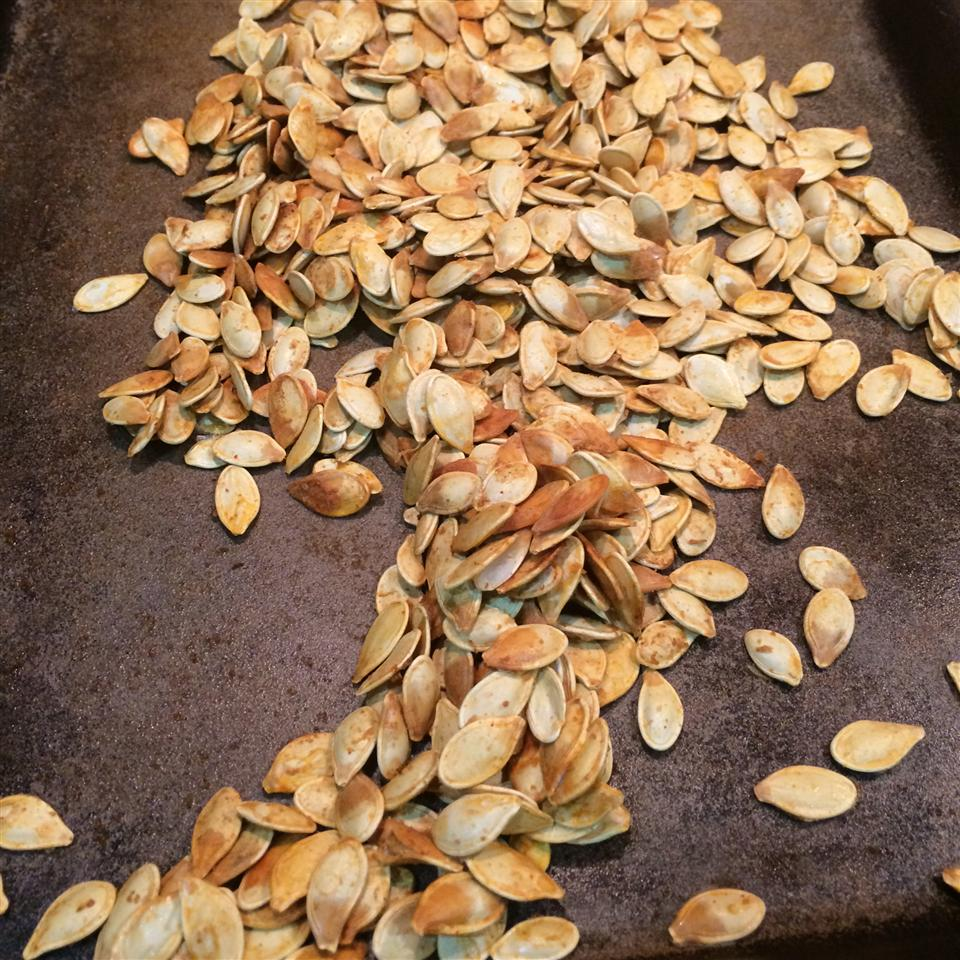 Cajun Spiced Roasted Pumpkin Seeds ukongrl