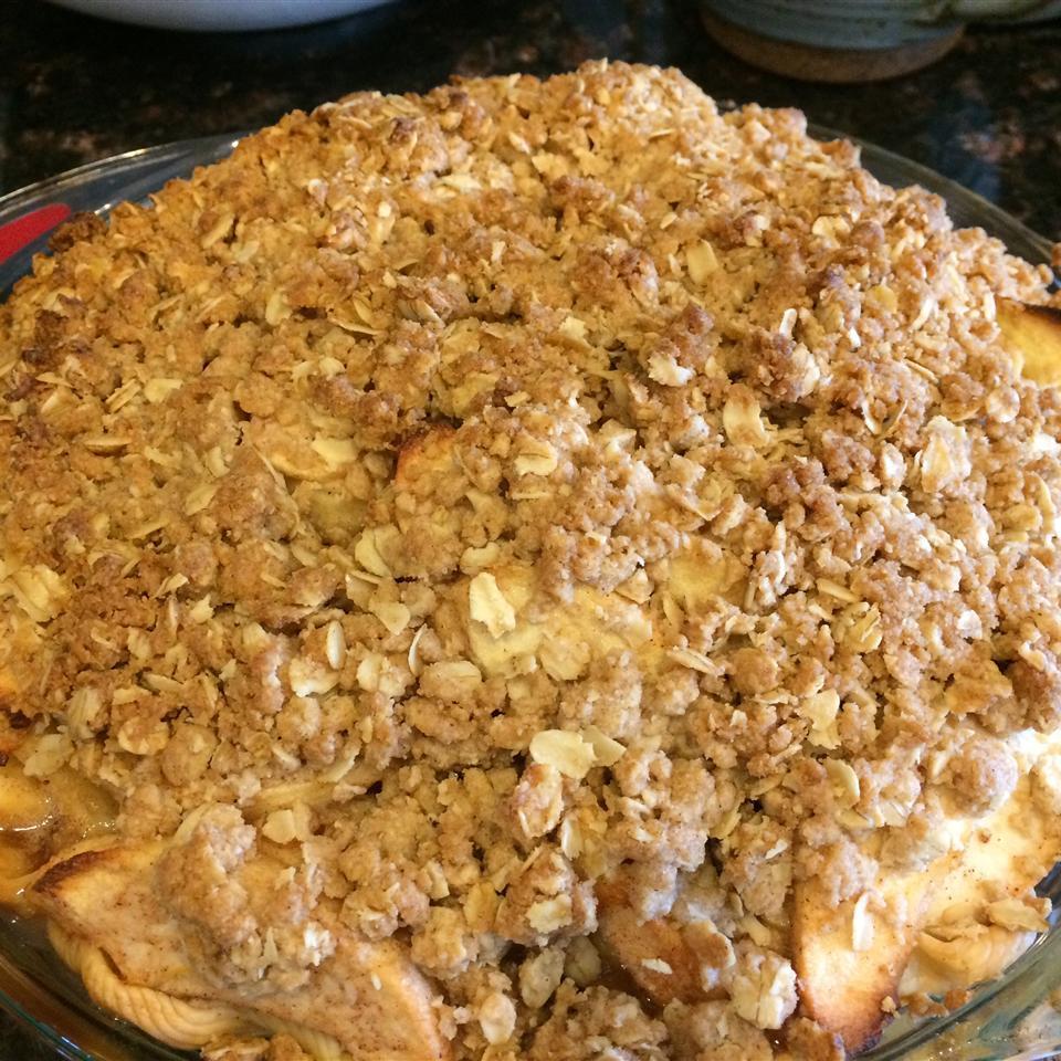 Dutch Apple Pie with Oatmeal Streusel