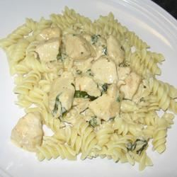 Basil Chicken and Pasta mommyluvs2cook