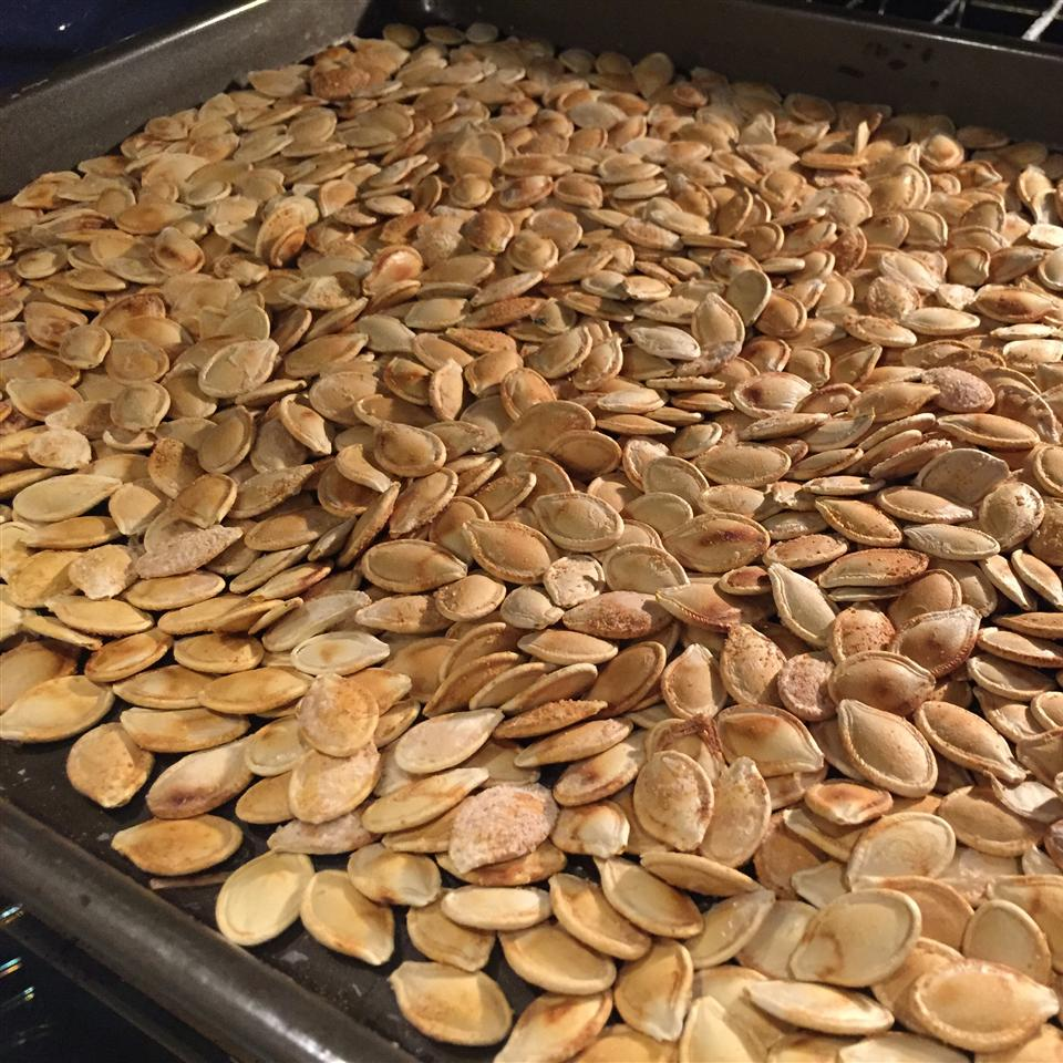 Crispy Roasted Pumpkin Seeds