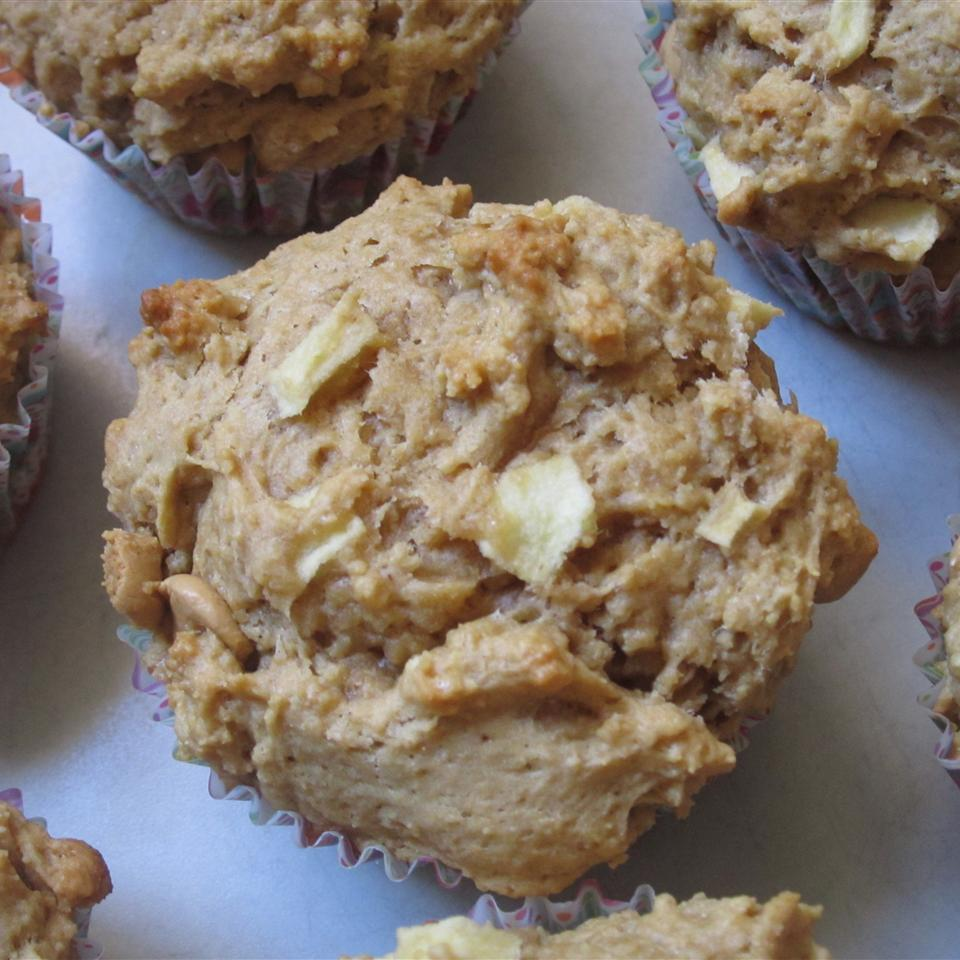 Yummy Peanut Butter Apple Muffins