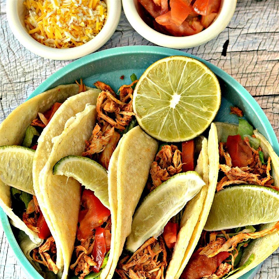 Slow Cooker Chicken Tinga Tacos bd.weld