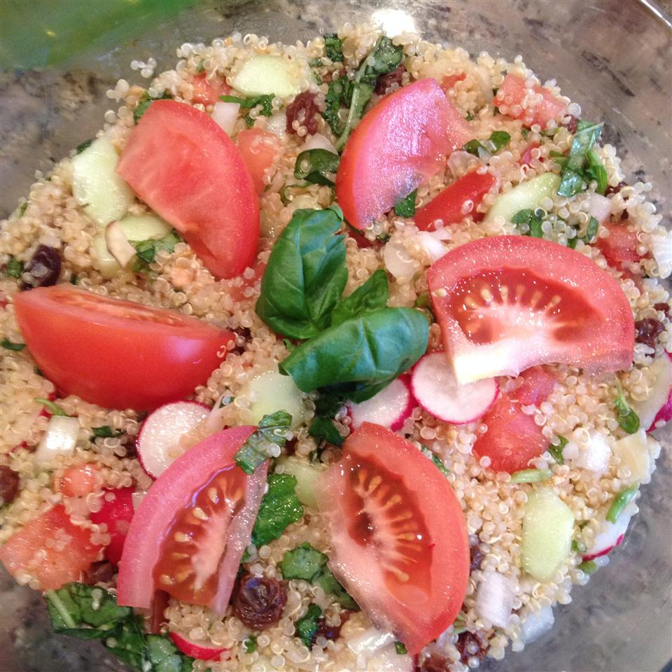 Tomato-Mint Quinoa Salad Moms kitchen