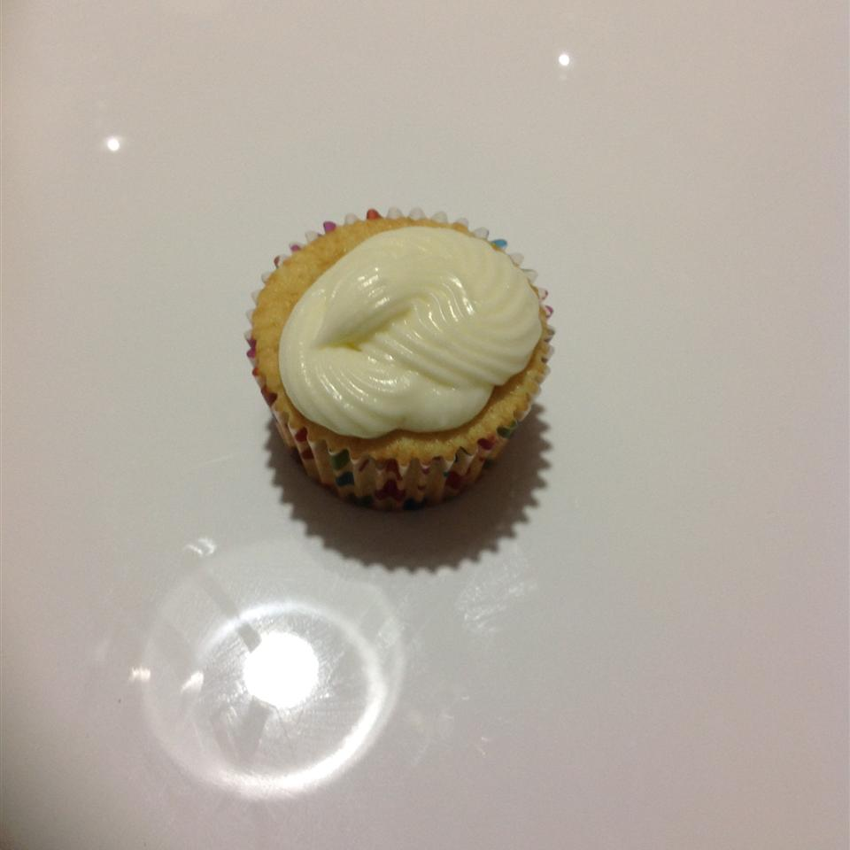 Quick and Almost-Professional Buttercream Icing