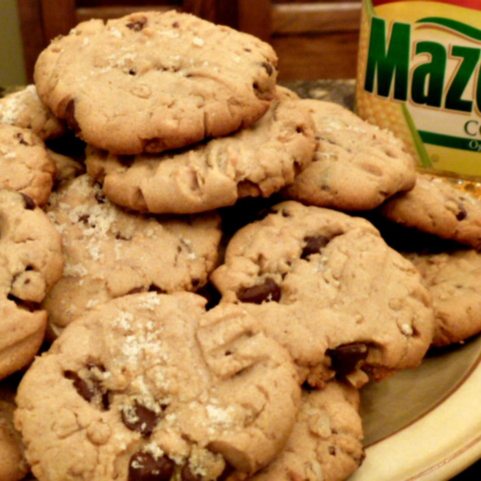 Peanut Butter Oatmeal Cookies from Mazola® Lucky Noodles